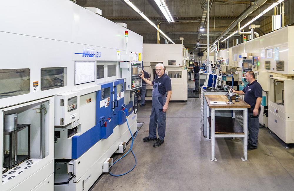 Für jedes Teil die richtige Maschine - Zeh Präzision ist mit einem stets modernen Maschinenpark bestens ausgestattet