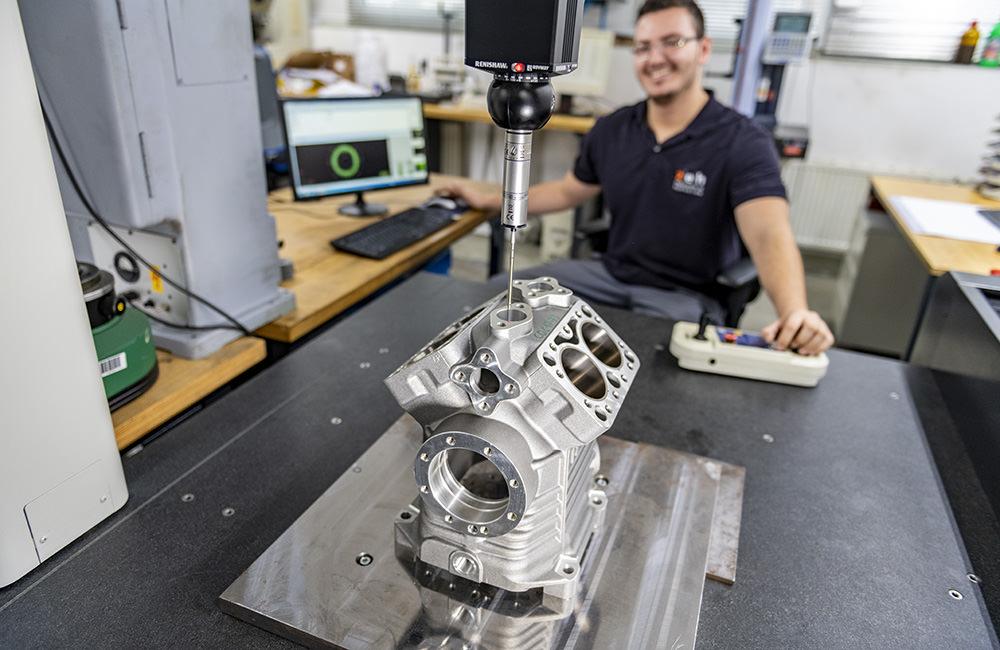 Vermessen eines Kompressor Kurbelgehäuses durch unsere Ingenieure